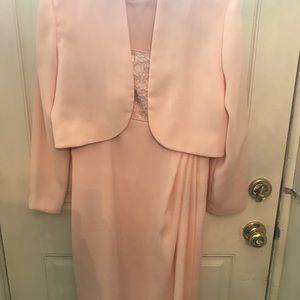 Dresses & Skirts - Beautiful pale peach dress w/bolero jacket 10